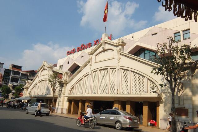 Dong Xuan market - Hanoi itinerary