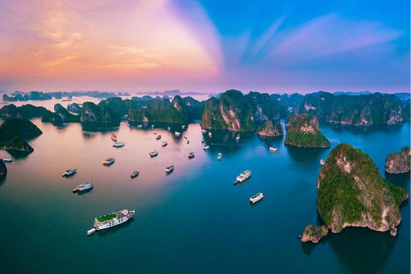 Halong Bay - Hanoi itinerary