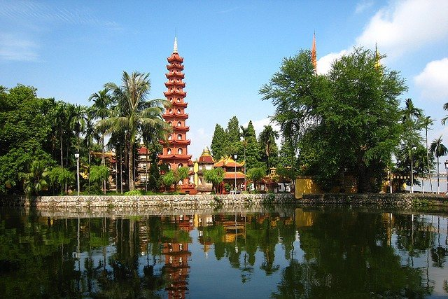 Tran Quoc Pagoda - hanoi itinerary