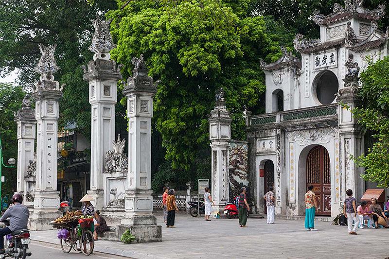 Quan Thanh pagoda - Pagodas in and around Hanoi